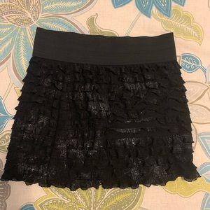 Sexy ruffled body con skirt!